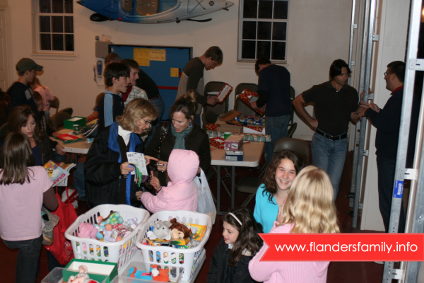 Shoebox Stuffing Party for Operation Christmas Child: How To