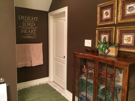 Decorating your walls with words, the easy way...