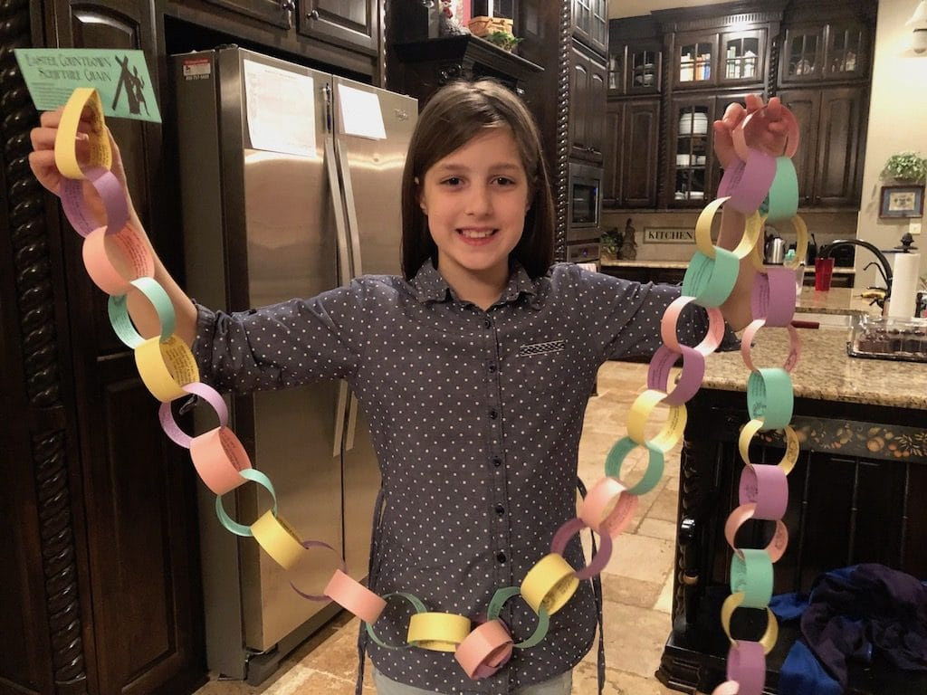 Our finished Easter Countdown Scripture Chain