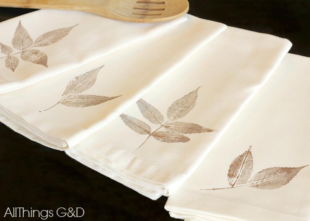 Printed Leaf Print Napkins